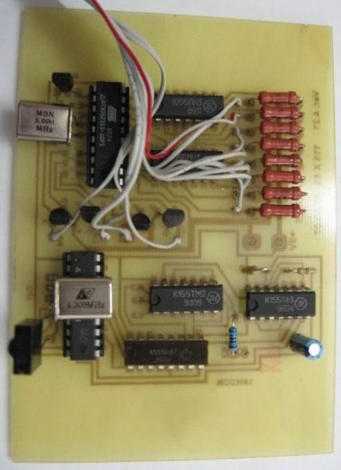 Фото 6 и 7. Печатная плата устройства в сборе(старый вариант); индикатор...